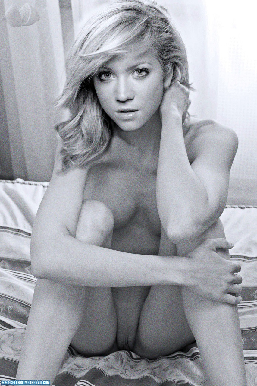 brittany snow naked