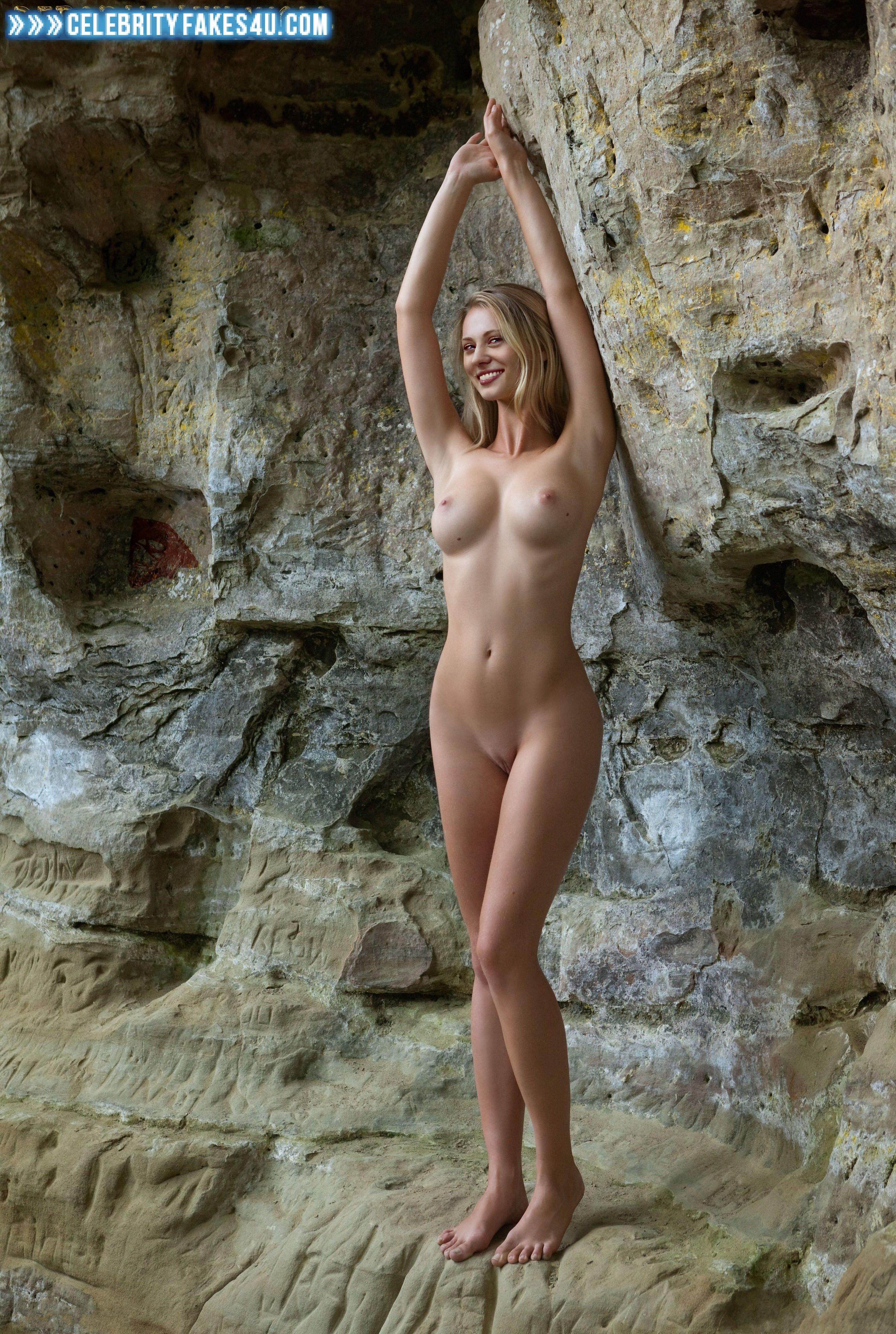Kinky Naked