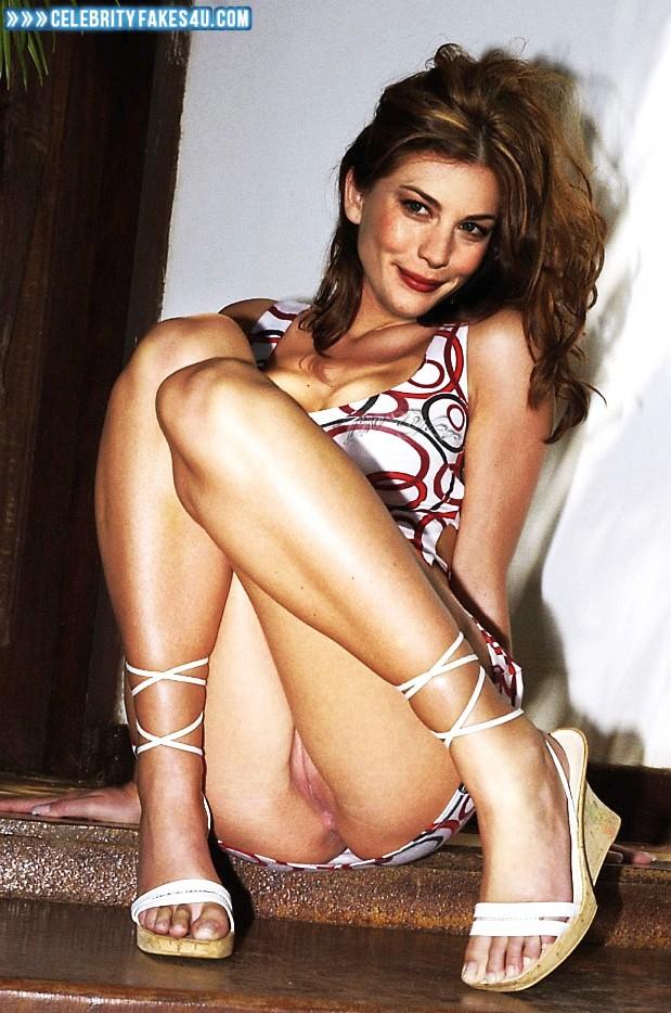 Liv Tyler Pantiless Vagina Upskirt Porn 001 ...