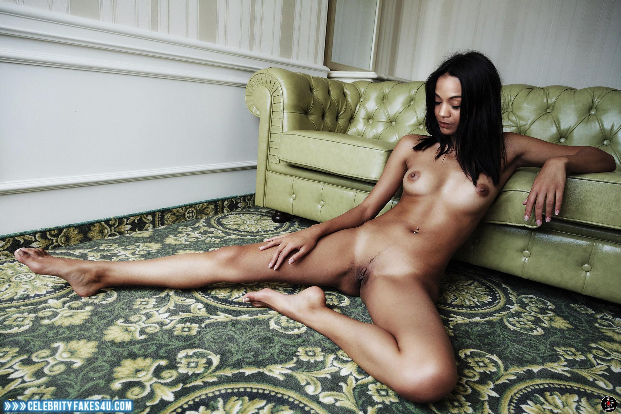 Zoe Saldana Tits 13